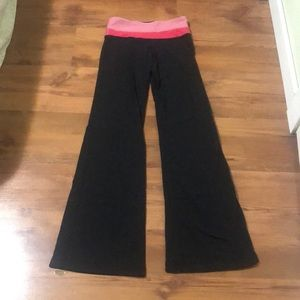 Lululemon Groove Pant Red/Pink Waist Band Size 2